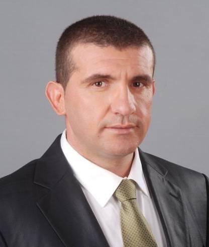 Кметът на Девня влиза в бизнес схема с тъста си за фотоволтаичен парк